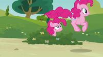 Pinkie hopping S3E03