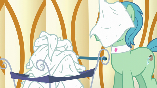 File:Spa Worker with dirty towel on his face S6E10.png
