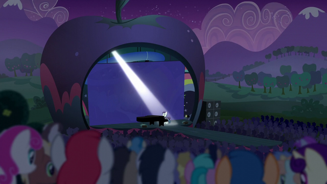 File:Coloratura playing The Magic Inside S5E24.png