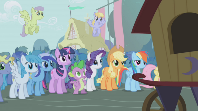 File:Twilight and friends see the show starting S1E06.png