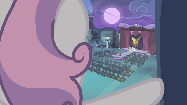 File:Sweetie looking out of the window S4E19.png