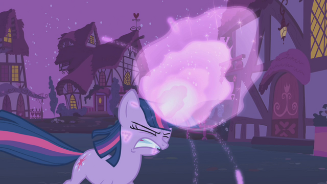 File:Twilight's magic gets stronger S1E06.png