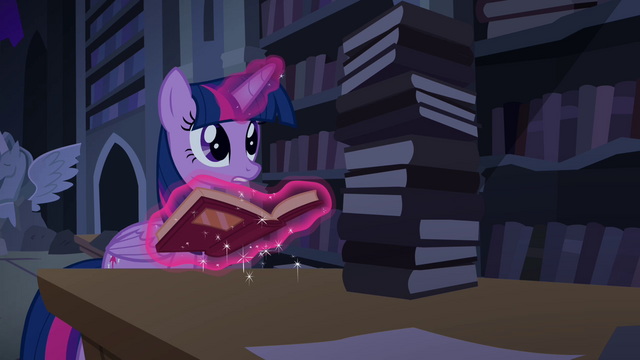 "File:Twilight ""find anything, Spike?"" S4E03.png"
