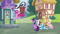 Pinkie loudly groans in frustration S5E19