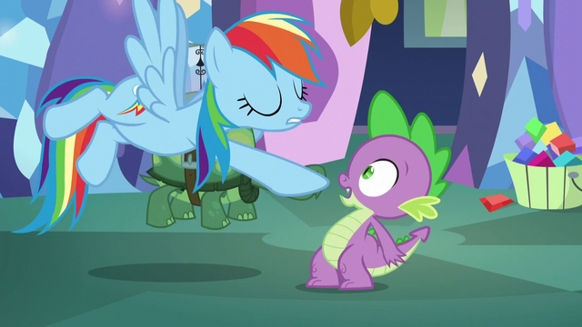 File:Rainbow points at Spike S5E5.png