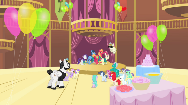File:The Ponytones going backstage S4E14.png