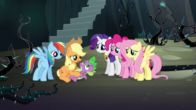 File:Twilight's friends help Spike S4E02.png