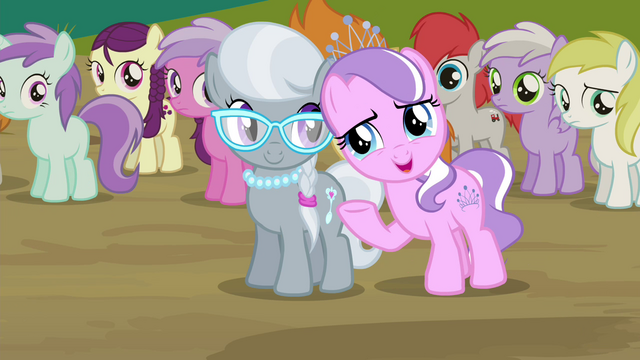File:Diamond Tiara invites CMC to her pool party S4E15.png