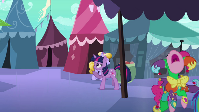 File:Pinkie Pie creating over flugelhorn S3E2.png