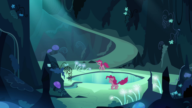 File:Pinkie Pie trying to talk to her double S3E03.png