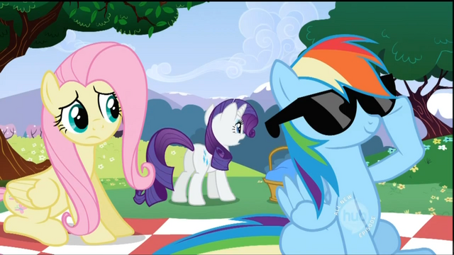 File:Rainbow Dash with sunglasses S2E03.png