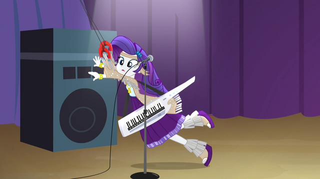 File:Rarity jerking to the left EG2.png