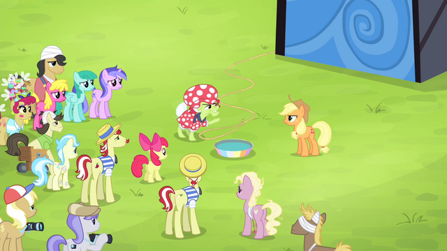 File:Granny Smith angry at Applejack S4E20.png