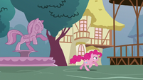 Pinkie Pie galloping to Town Hall S5E19