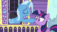 Trixie boops Twilight on the nose S6E25