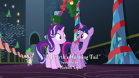 "Twilight ""It's a time to spend with friends and family when we celebrate"" S6E8"
