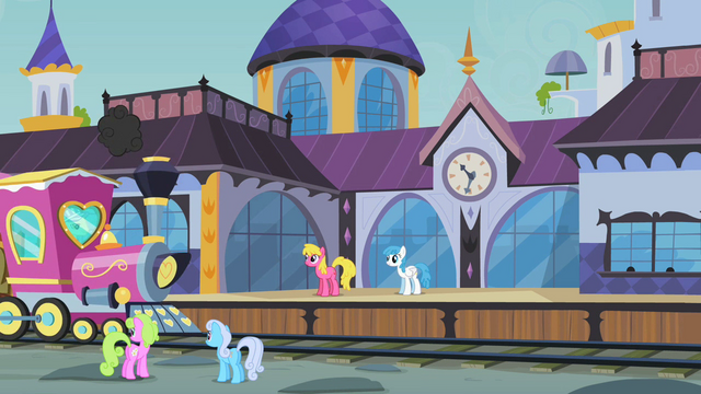 File:Canterlot train station S2E14.png