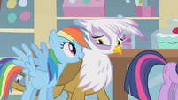 Rainbow Dash talking to Gilda S1E05
