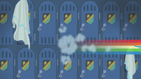 Rainbow speeds out of the locker room again S6E24