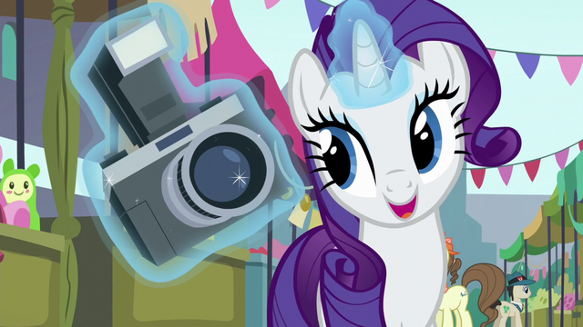 File:Rarity levitating a camera S6E3.png