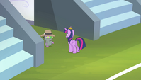Spike walking back inside the stadium S4E24