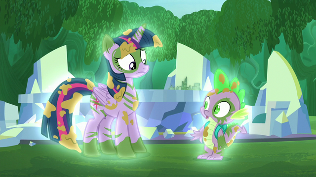 File:Twilight and Spike glow S5E26.png
