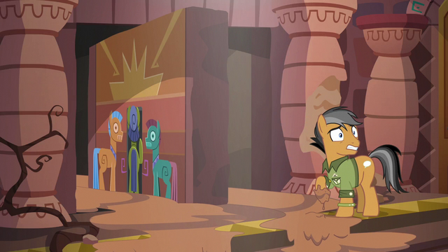 File:Mud starts to fill the inner sanctum S6E13.png