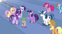 "Twilight ""head straight to the castle"" S6E1"