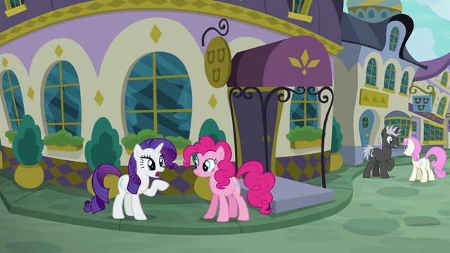 "File:Rarity ""cuisine, decor, and presentation"" S6E12.png"