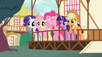 Ponies excited S02E07