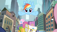 Rainbow flying in Manehattan S4E08
