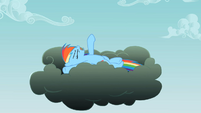 Rainbow Dash on the thundercloud S2E08