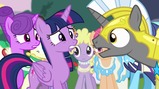File:Twilight and Royal Guard S4E01.png