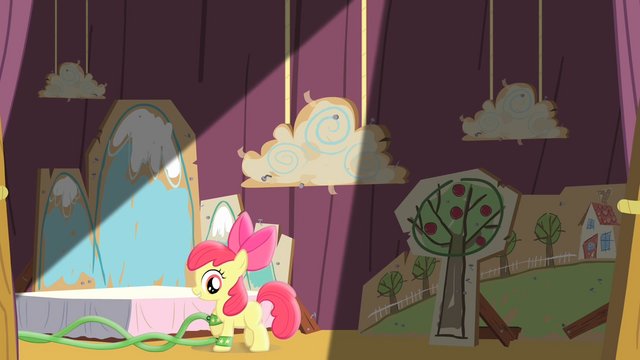 File:Apple Bloom walking on the stage S4E05.png