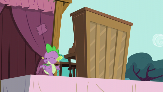 "File:Spike ""When Twilight told me to stall"" S5E11.png"