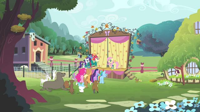File:The Ponytones at Fluttershy's cottage S4E14.png