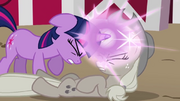 Twilight curing Applejack of grayness S2E2
