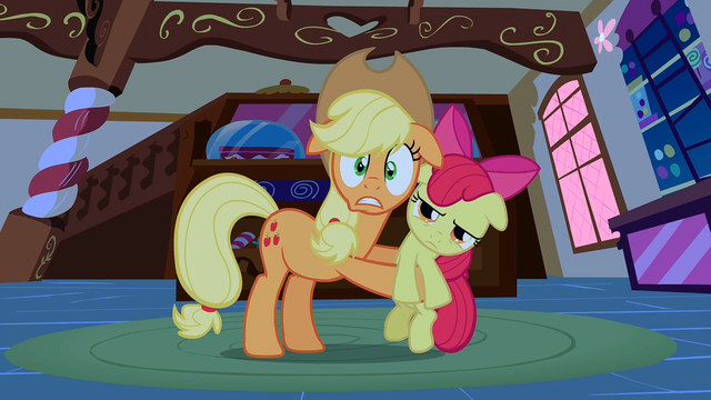 File:Applejack scared S1E09.png