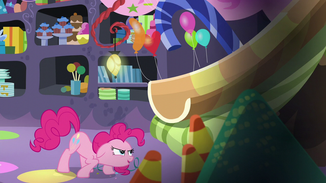 File:Pinkie about to go up the slide S5E11.png