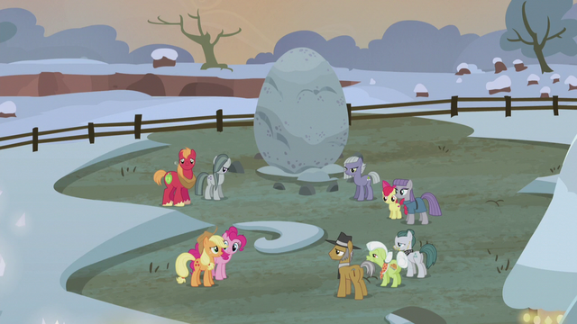 File:Apple and Pie families split into teams S5E20.png