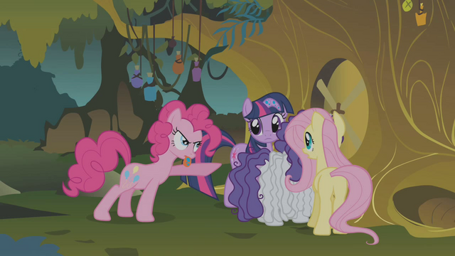 File:Pinkie Pie spitting S01E09.png