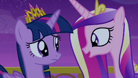 Princess Cadance starts singing S4E25