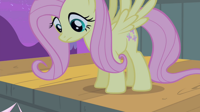 File:Fluttershy on the stage S4E14.png