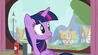 Twilight looks behind S4E15