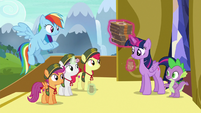 Twilight and Spike buy six boxes of cookies S6E15