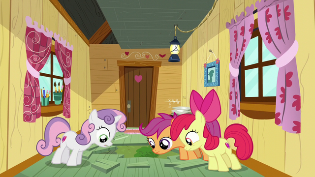 File:Cutie Mark Crusaders look through the hole S6E4.png