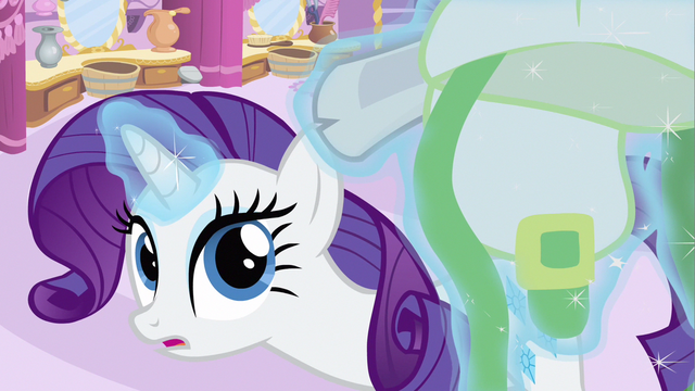 File:Rarity curious S2E23.png