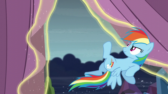 File:Rainbow about to fly S6E2.png