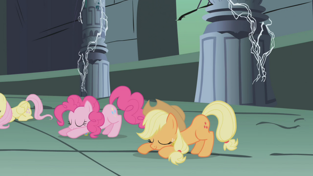 File:The ponies bow down to Princess Celestia S1E02.png