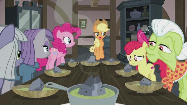 File:Applejack asks about double-baked pot pie S5E20.png